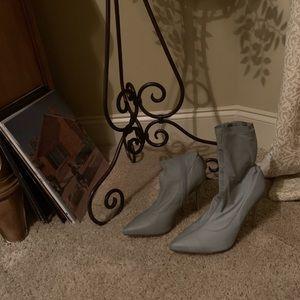 Reflective heels